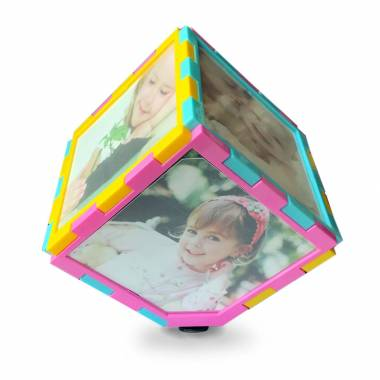 Rotating Photo Cube with Photos