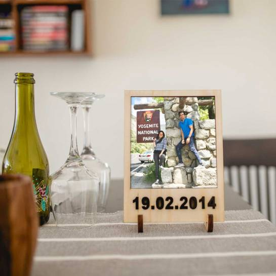 Photo frame with Embedded Date