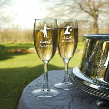 Engraved Champagne Glasses - Wedding Couple