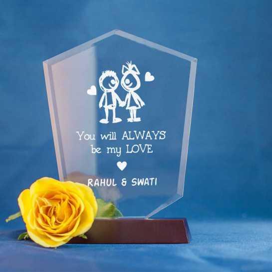 Cute Couple - V Shaped Memento