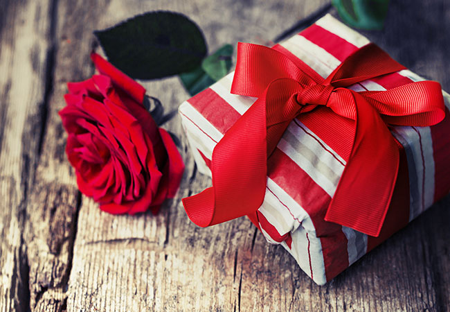 Best Anniversary Gift Ideas for New Couples